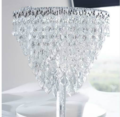 Cake stand with crystals