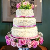 White Wedding Cake With Fresh Roses