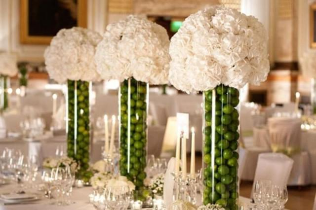 Tall DIY carnations centerpieces