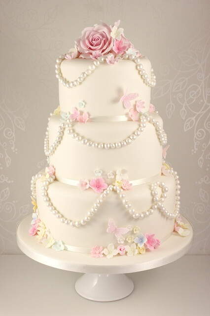 artificial wedding cakes uk small pink and white wedding cake see five gorgeous ideas 10853