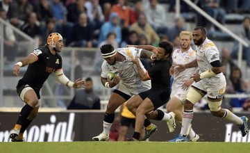 Hika Elliott is tackled by the Jaguares