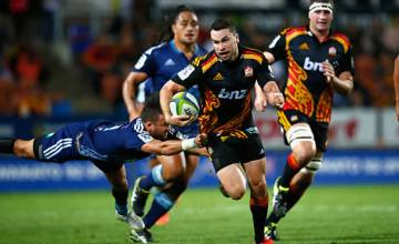 Tom Marshall on the run for the Chiefs