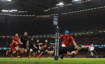 Kieran Read scores a try against Wales for New Zealand