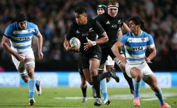 Julian Savea returns to the All Black starting line up
