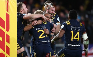 Highlanders players celebrate their team's 23-22 victory