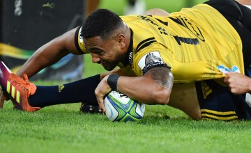 Ngani Laumape bashes his way over for another try for the Hurricanes against the Highlanders