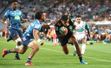 Solomon Alaimalo gives the Chiefs the lead against the Blues at Eden Park, Auckland, in the opening round of Super Rugby, 2020.