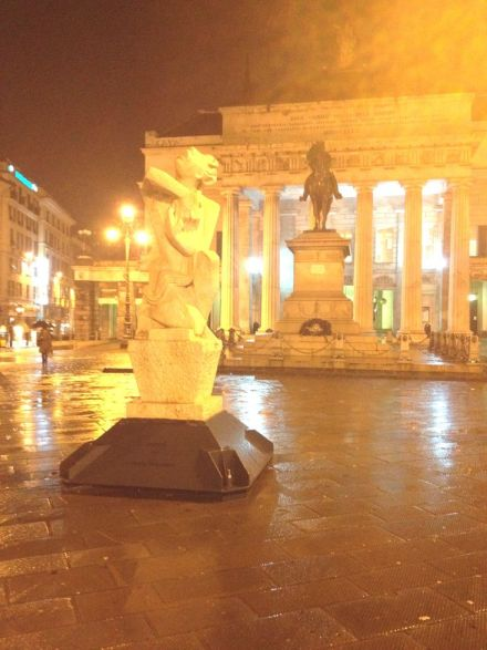 Small_ F La statua di Orfeo oggi in piazza De Ferrari a Genova