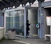 Riparate le vetrate delle pensiline della stazione