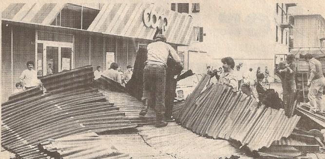 Rottami del cantiere sulla Cooperativa