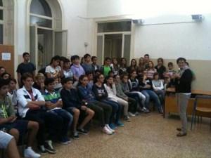 Un momento della presentazione agli studenti a Villa Ratto