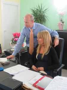 L'Avvocato Carra e una sua collaboratrice