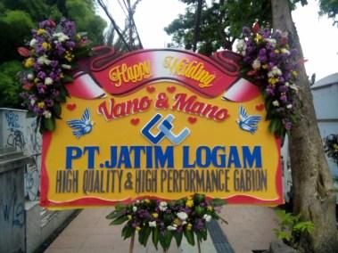 pesan Bunga papan wedding di surabaya