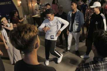 Yello Hotel Jemursari Gelar Hip-hop Battle Dance