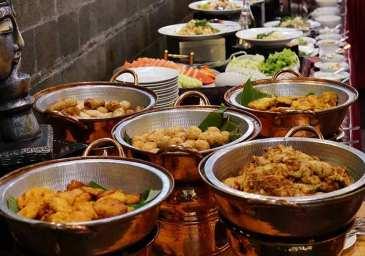Sinbad Berbagi Berkah Ramadhan Di Best Western Papilio Hotel Surabaya