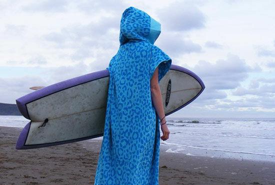 Ponchos de surf, la comodidad con estilo
