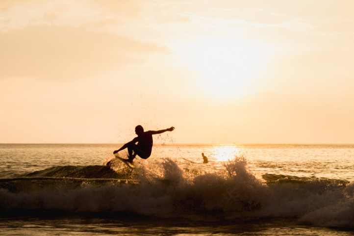 Surfing: nothing inspires awe like the vastness of the ocean | Photo: Shutterstock