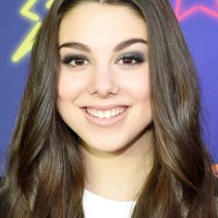 Kira Kosarin Plastic Surgery Before After, Breast Implants, Nose Job