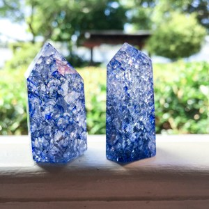 Blue crackle quartz generator
