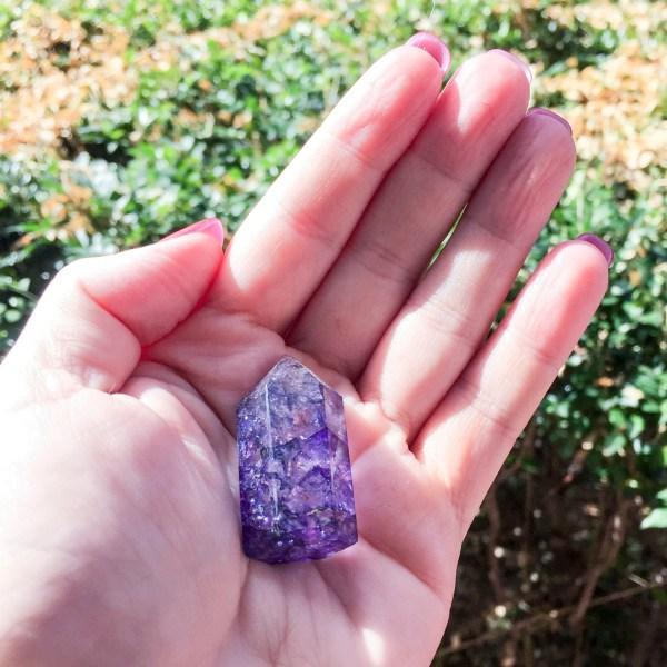 Purple crackle quartz generator