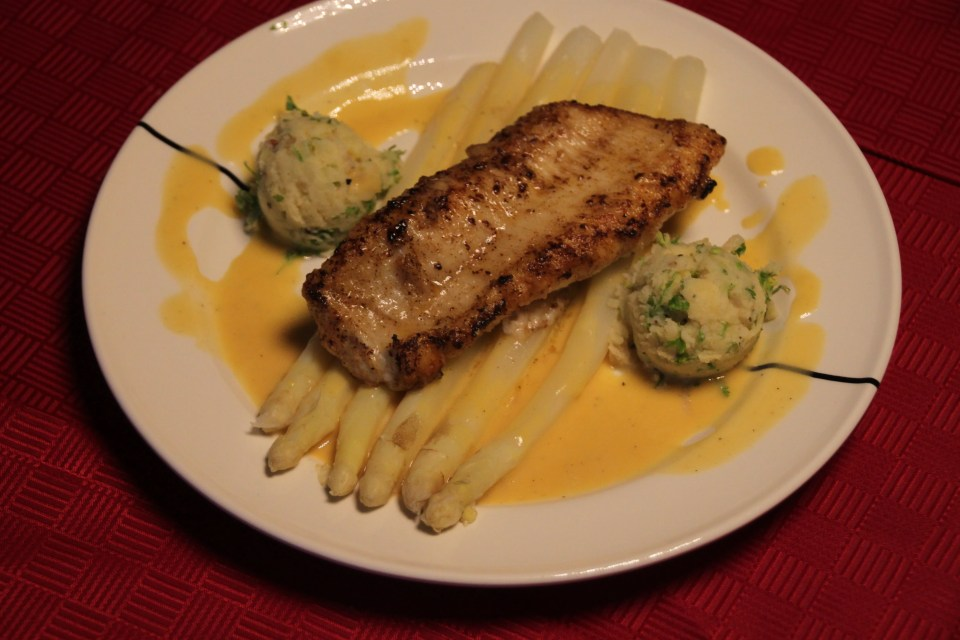 asparagus with mousse line sauce and catfish