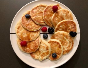 American ricotta-lemon pancakes with buttermilk