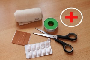 Meddical-Scissors-for-your-first-aid-kit-300x200.jpg