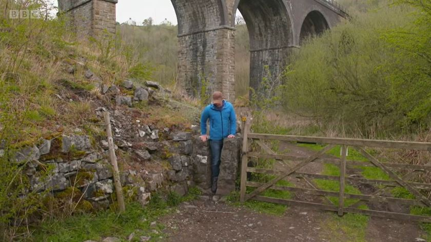 Countryfile - White Peak - May 2021 - Squeezing through a stye in the Monsal valley
