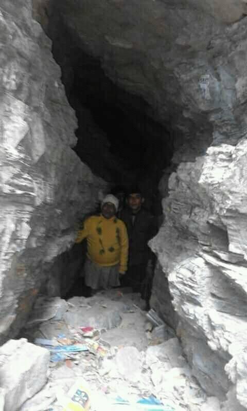अनौठो गुफा, जहाँ देखिन्छ देवीदेवताको आकृति