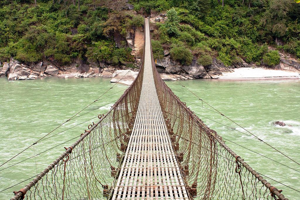 झोलुङ्गे पुल बनेपछि एकदिनको बाटो एक घण्टामा
