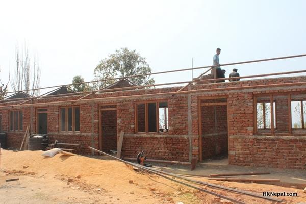 स्थानीयले जुटाए विद्यालय भवन निर्माणका लागि रकम