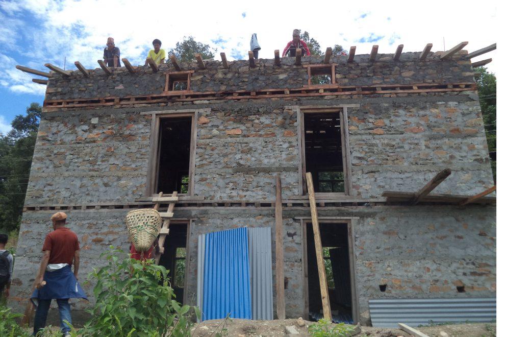 अनुदान नपाउँदा भूकम्पपीडित समस्यामा