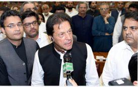 पाकिस्तानी प्रधानमन्त्री खानद्वारा मोदीलाई वधाई
