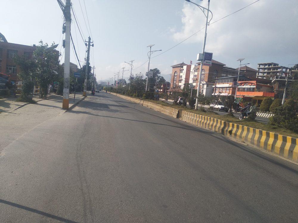 राजधानीबाट २२ लाख यात्रु दशैँ मनाउन बाहिरिए, काठमाडौँका सडक र पसल सुनसान