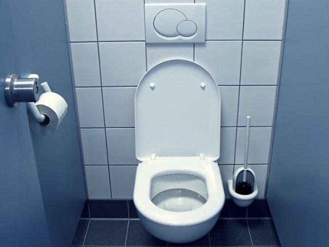 ट्वाइलेटको पानी बेचेर करोडौँ कमाउँदै सरकार