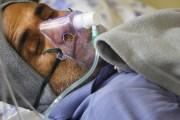अनसनरत डा. केसीको स्वास्थ्यमा समस्या भएपछि अस्पतालमा भर्ना