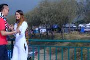 पोखरा घुम्न आएका मनोज कुमार र मेलिशालाई समयले यस्तो बनायो (भिडियो)