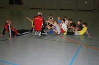 Aufmerksame Kinder. DFB-Mobil zu Gast beim SuS 17.12.2014