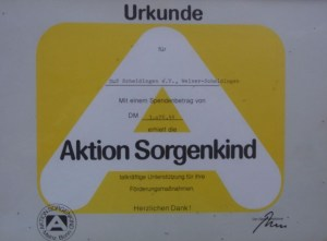 Urkunde-Aktion-Sorgenkind-1985