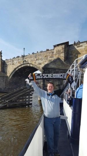 Holger Kürpick vor der Karlsbrücke in Prag 03.05.16