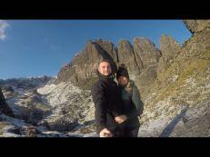 Jens Hagedorn und Lena auf dem Old Man of Storr in Scottland am 11.11.2017