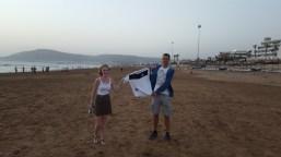 Kira Diers und Florian Volmer am Strand von Agadir in Marokko am 09.08.2018