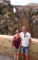 Annette und Martin Horstmann vor der Puente Nuevo in Ronda Andalusien 03.07.2019