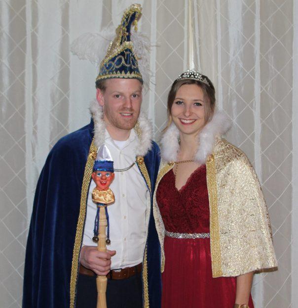 Prinz Michel I. Berz und Prinzessin Christin I. Magh freuen sich auf viele bunte Gäste