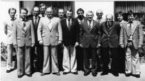 Vorstand des SuS 1978 vorm Haus Foschepoth