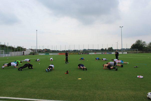 Saisonvorbereitung! Von jedem Fußballer heiß geliebt!