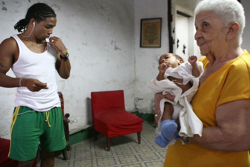 Kuba Havanna Habana Fotograf people Familie Baby Oma-3