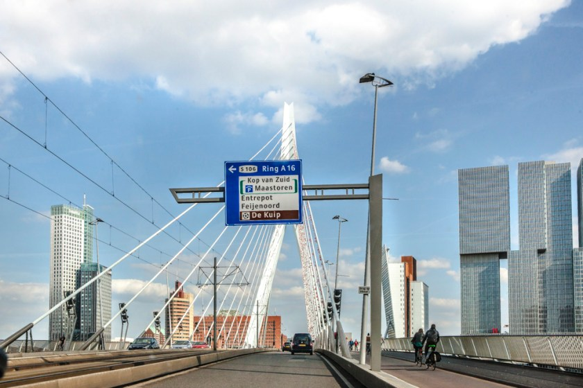 Fotograf holland Rotterdam Erasmusbruecke Staße Auto 2