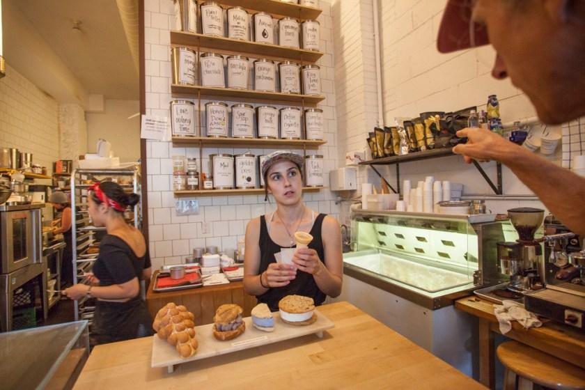 toronato-ossington-eis-eisdiele-bang-nag-icecream-bakery-fotograf