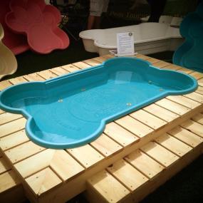 Dog Bath with Deck, Charles & Hudson